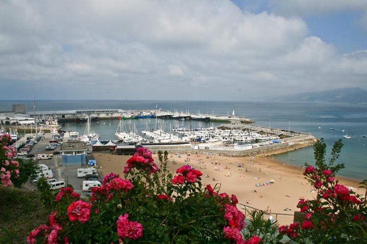 Playa Malkorbe y puerto