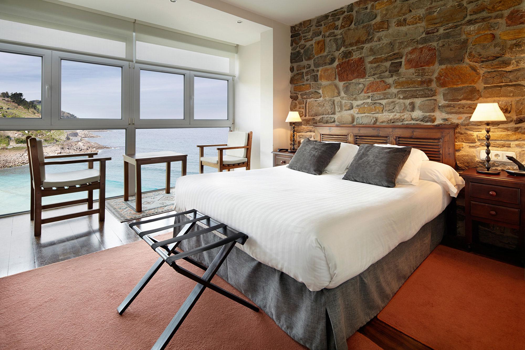 Hotel con encanto situado en getaria con vistas al mar for Hoteles rurales de lujo